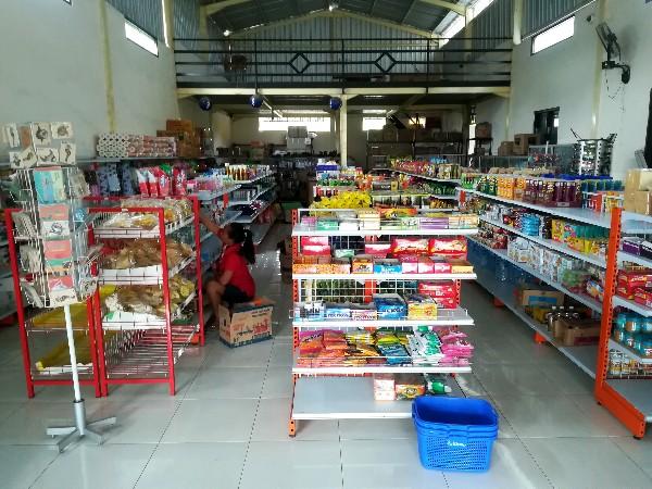 レンボンガン島の買い物