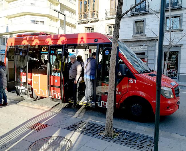 グラナダのバス