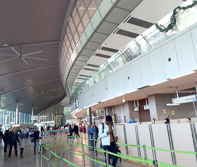 バレンシア空港