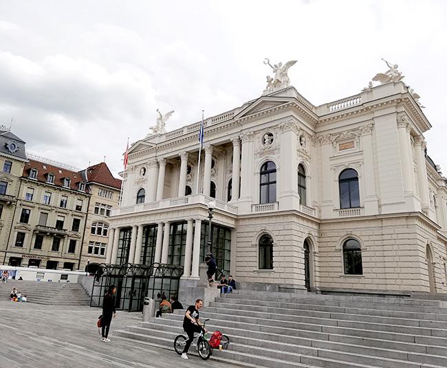 チューリッヒオペラハウス